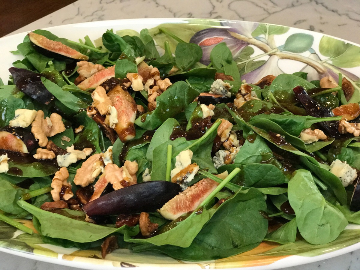 Fresh Figs and Spinach Salad with Gorgonzola, Walnuts & Fig Jam Vinaigrette