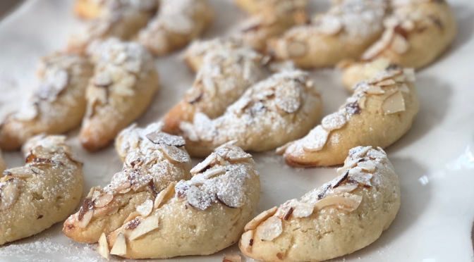 Pastini Di Mandorla. Maltese Almond Cookies