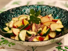 Apple zucchini salad