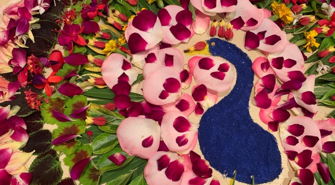 Friday Flowers: Pookalam. Flower Art